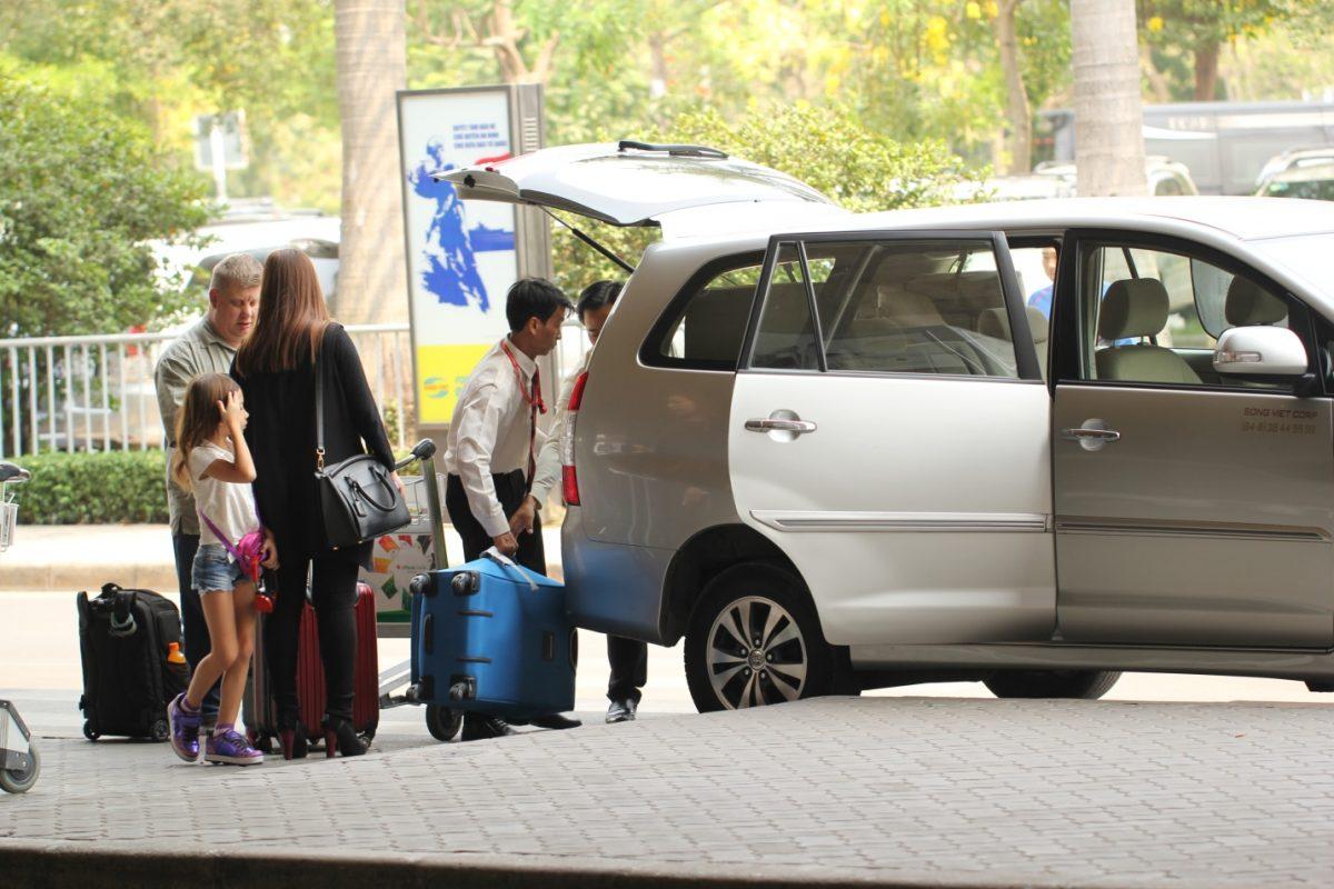 thuê xe đón tiễn sân bay