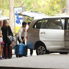 Dịch vụ cho thuê xe đưa đón sân bay Tân Sơn Nhất giá rẻ