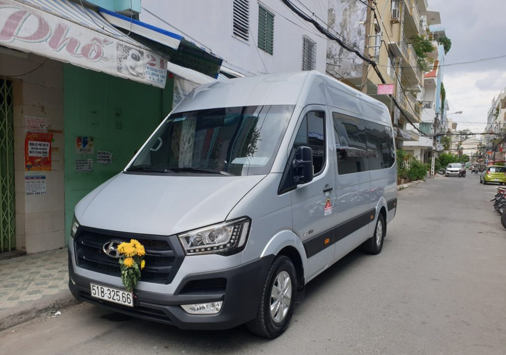 thuê xe 16 chỗ đi Tây Ninh