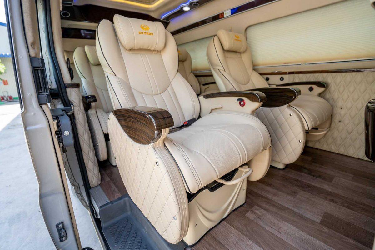 thuê xe limousine 16 chỗ đi nha trang