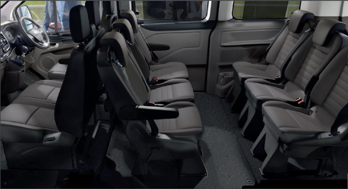 nội thất xe ford tourneo