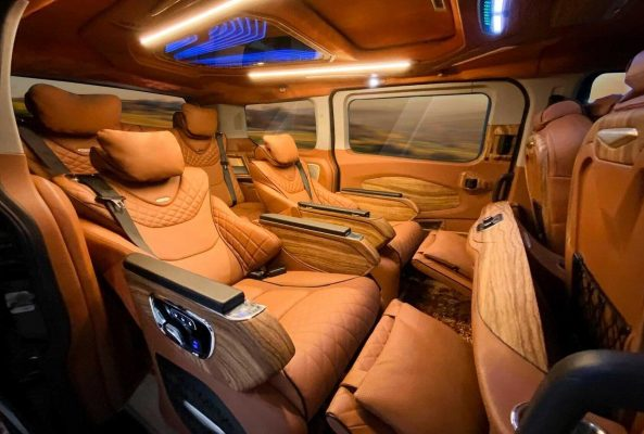 xe ford tourneo limousine
